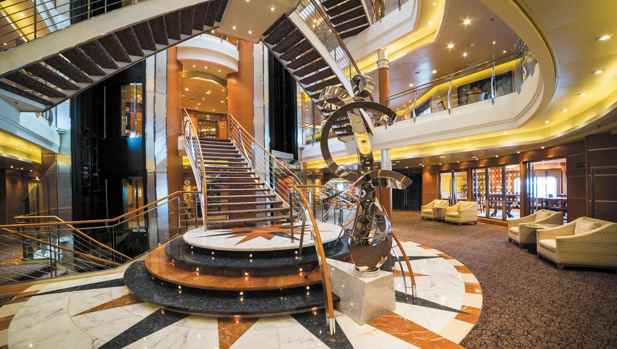 Regent Seven Seas Voyager - Atrium