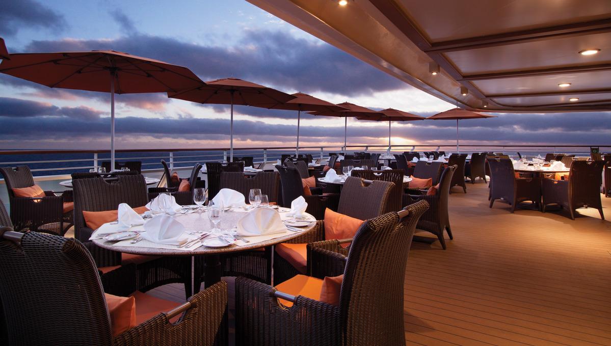 Oceania Marine & Riviera - Terrace Cafe