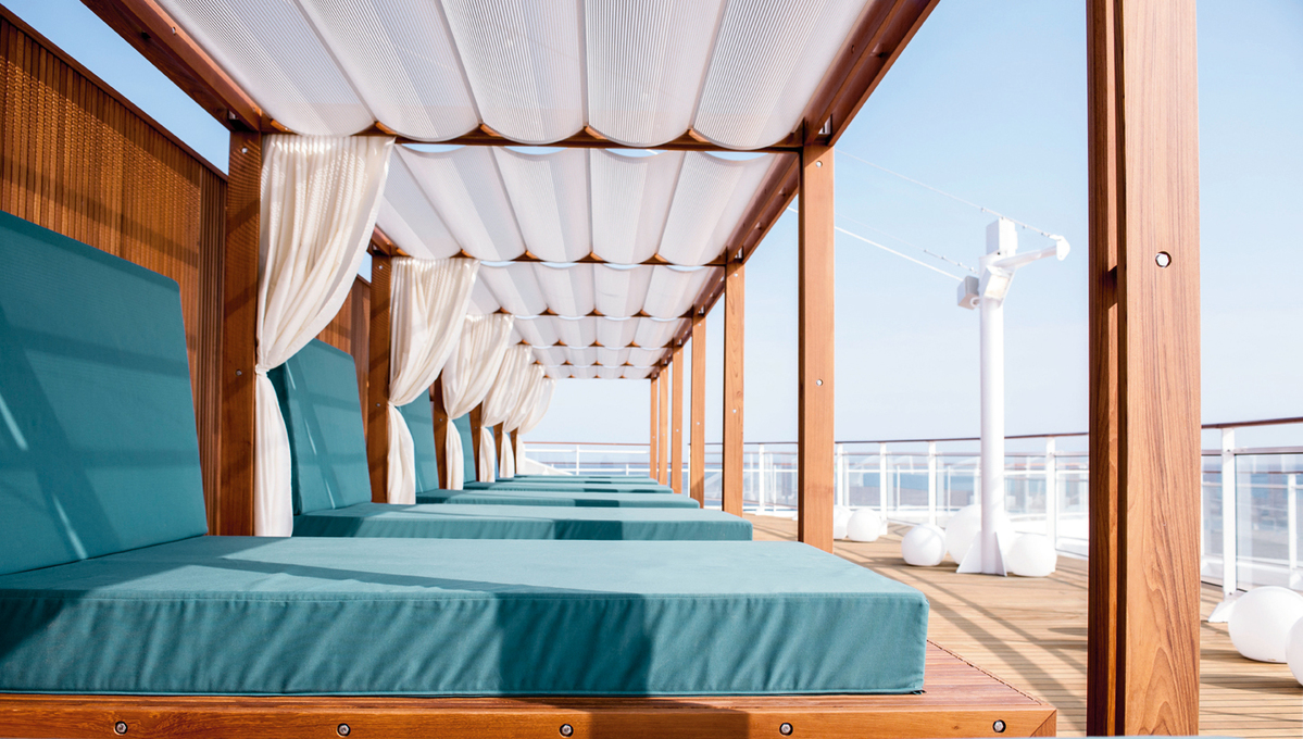 Hapag-Lloyd Cruises - MS Europa 2 - Daybed
