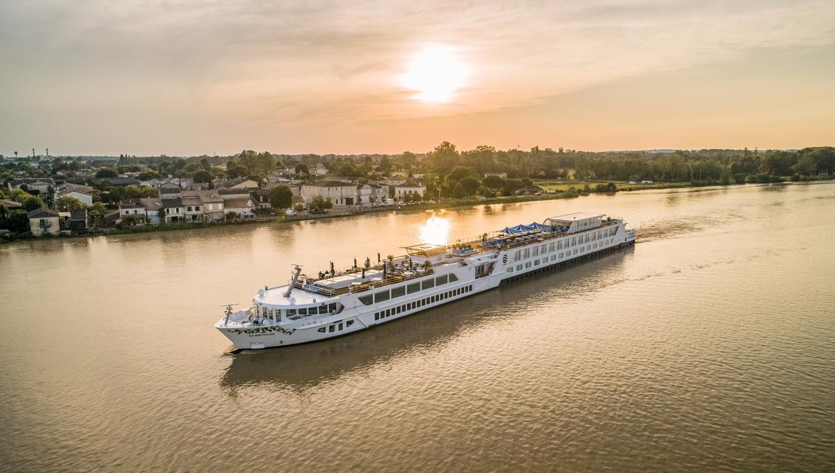 Uniworld - S.S. Bon Voyage in Bordeaux