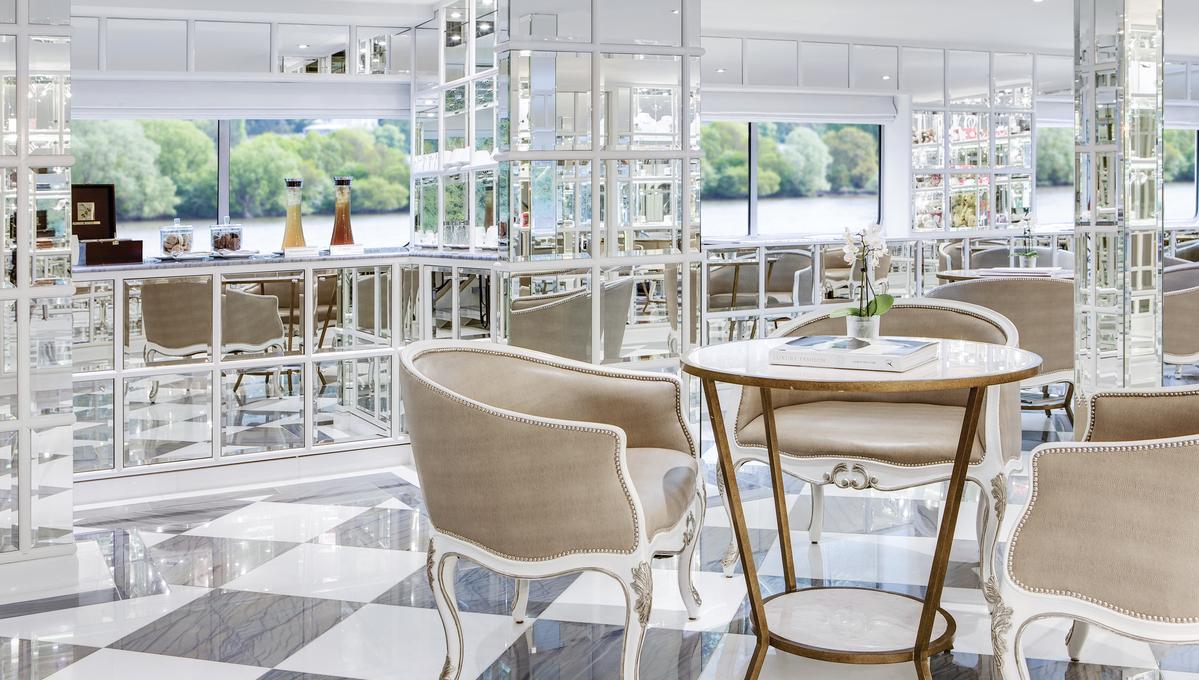 Uniworld - River Empress - Patio Lounge