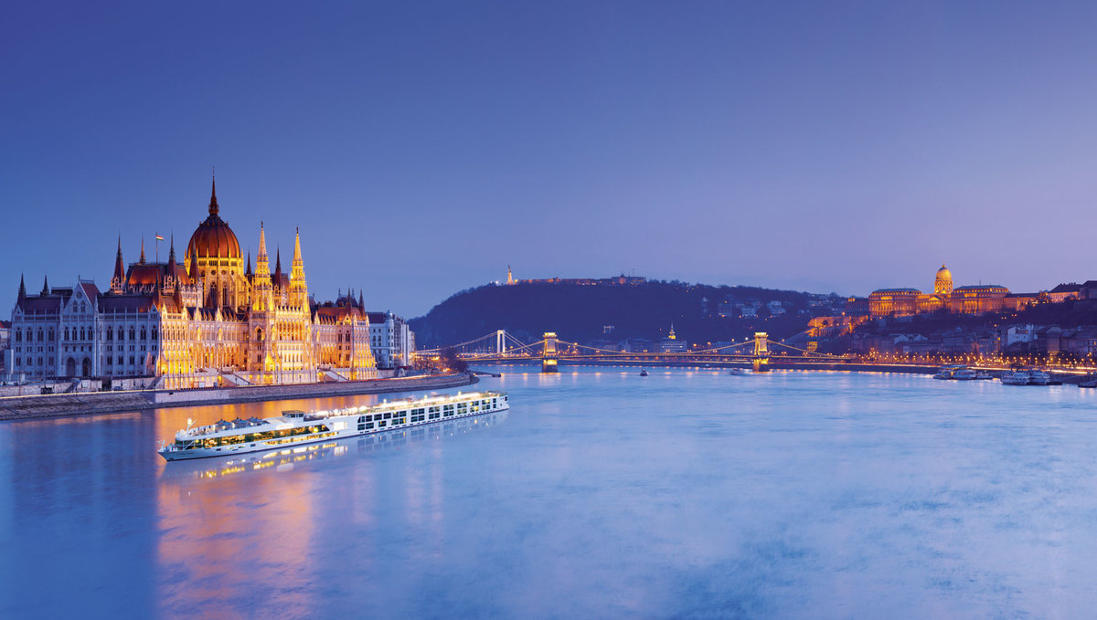Scenic river cruise on the Danube in Budapest