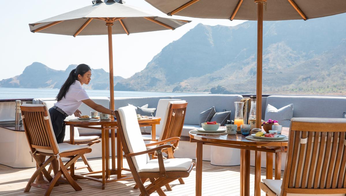 Aqua Blu - Al fresco breakfast
