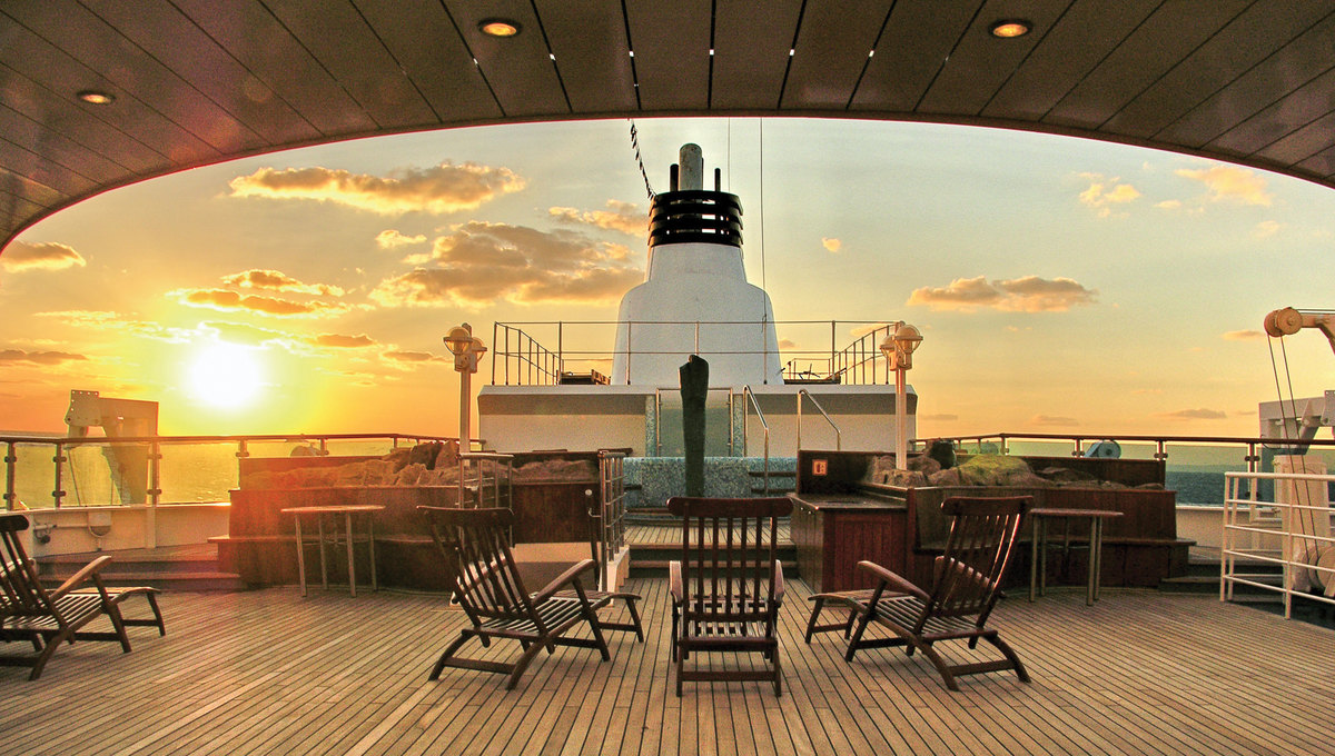Lindblad Expeditions - National Geographic Orion - Deck