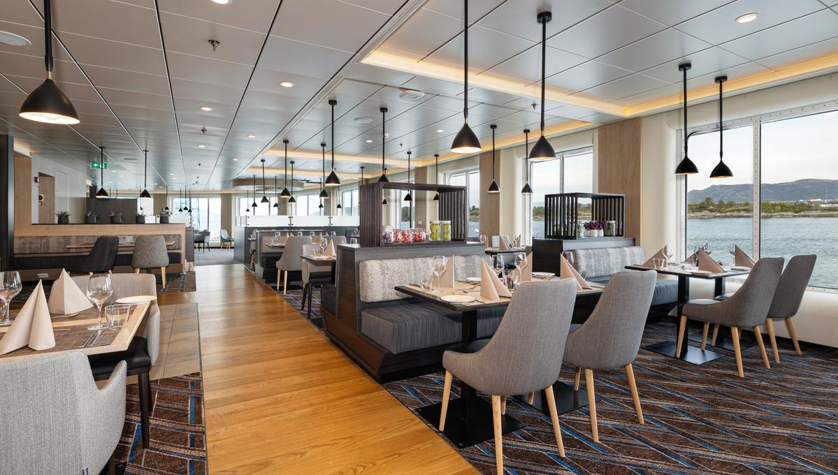 Hurtigruten - MS Otto Sverdrup - Aune restaurant