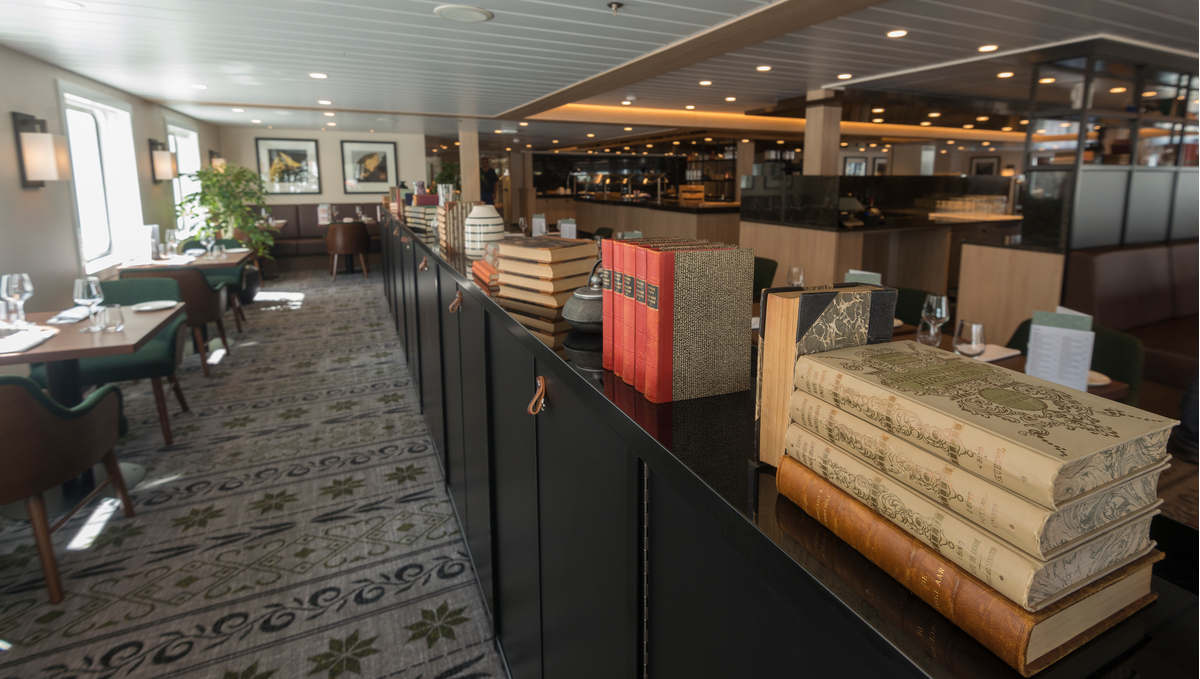 Hurtigruten - MS Spitsbergen - Torget main dining room