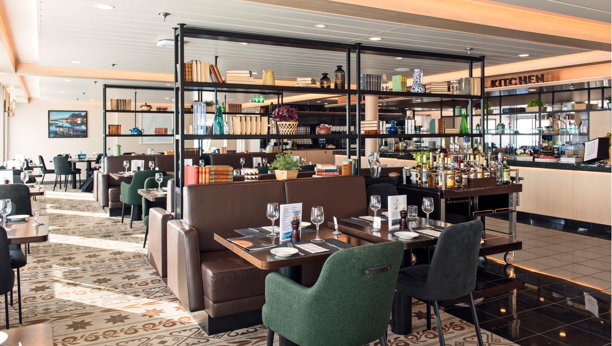 Hurtigruten - MS Polarlys - Torget restaurant