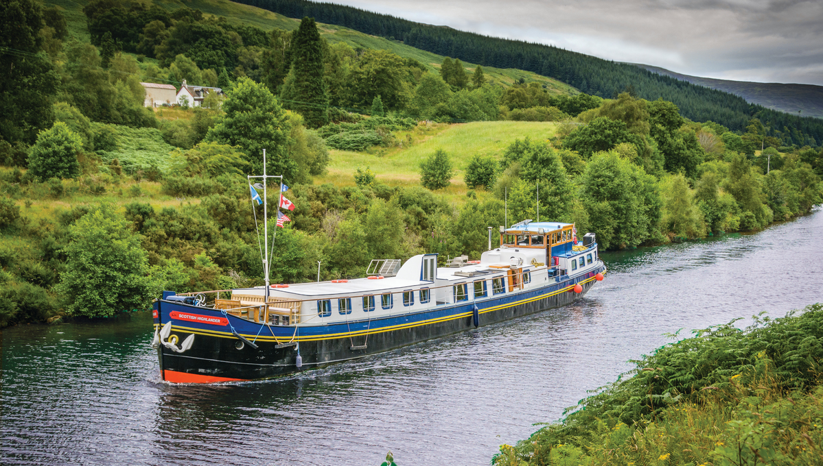European Waterways' Scottish Highlander on the Caledonian Canal - Read our review to find out more