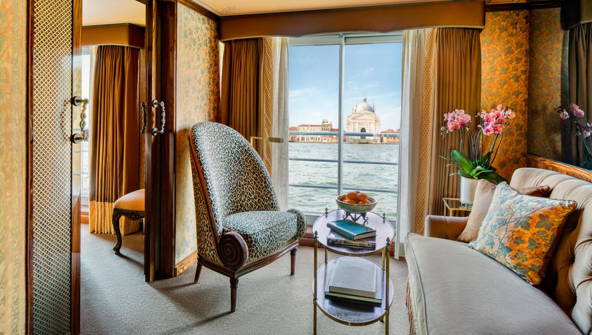 Uniworld - SS La Venezia - Grand Suite