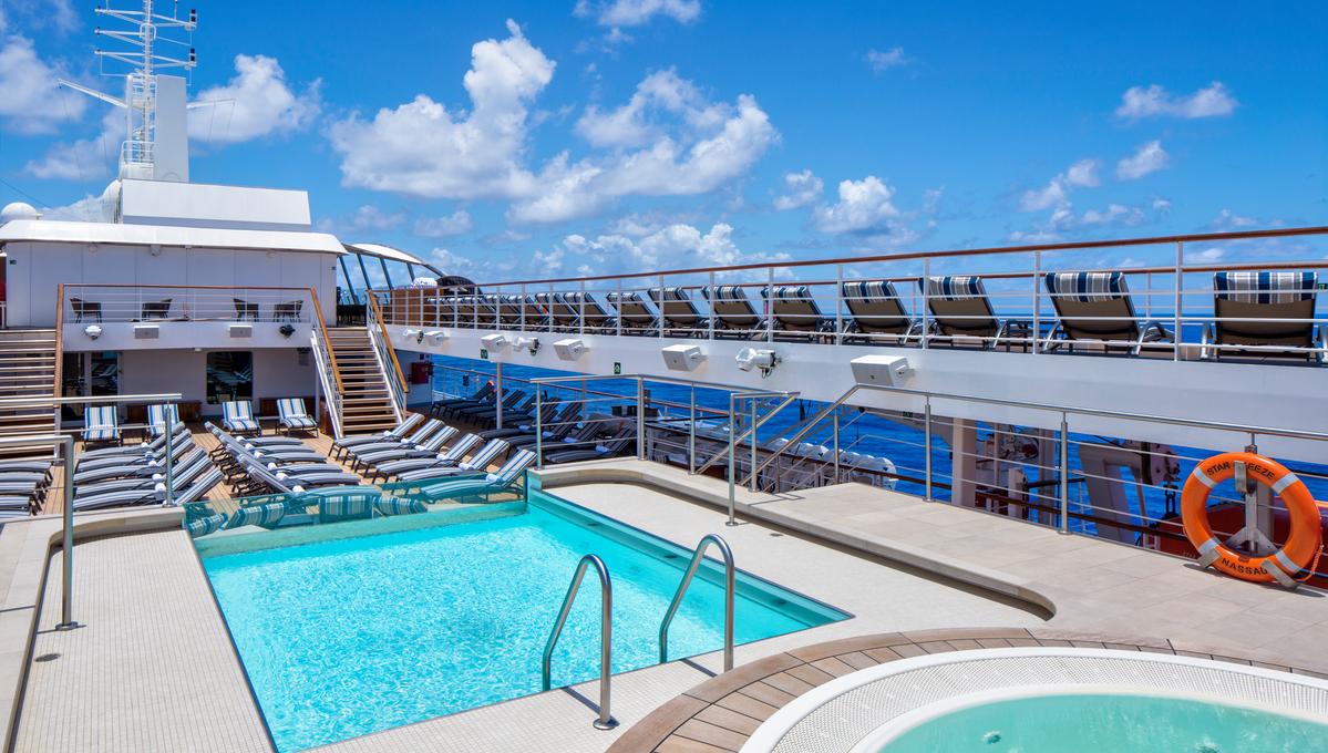 Windstar Cruises - Star Breeze - Pool deck