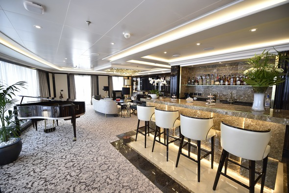 Regent Seven Seas Explorer - Regent Suite (1,000+ square feet)
