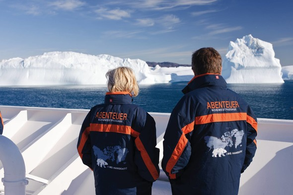 Couple on Hapag-Lloyd's Hanseatic in the Arctic