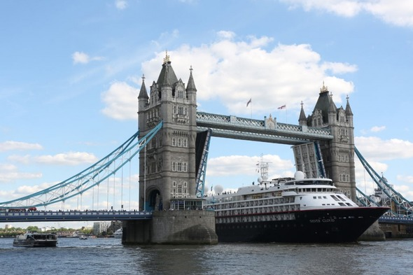 Silver Cloud Expedition sailing under Tower Bridge, London