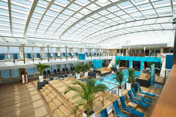 Hapag-Lloyd Cruises - MS Europa 2 pool deck