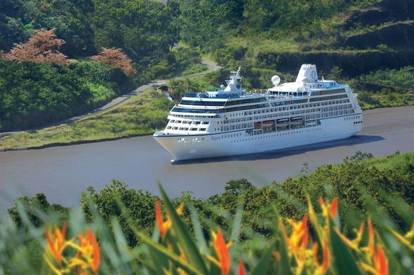 Oceania Cruises - Regatta in the Panama Canal