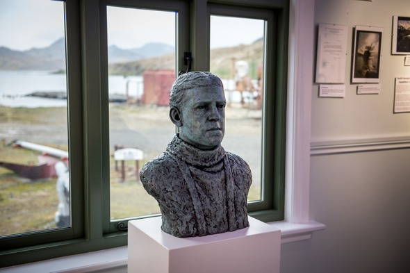 Bronze bust of Sir Ernest Shackleton at the South Georgia Museum