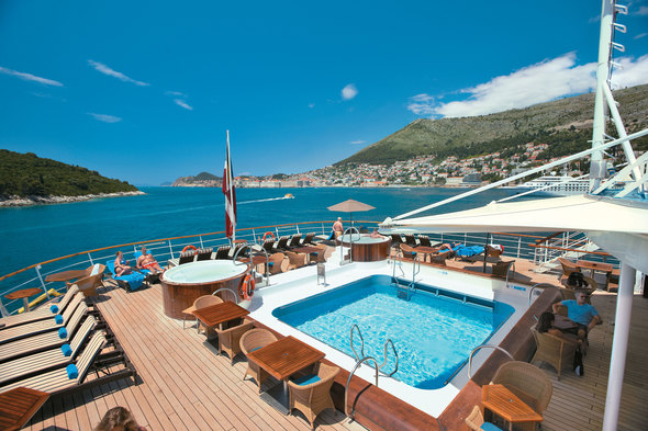Windstar Cruises - Pool on Wind Surf