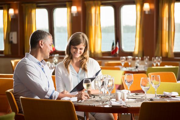 Metropolitan Touring - Santa Cruz II restaurant