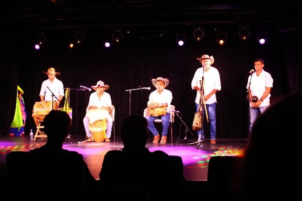 Performance in Le Champlain's theatre © Margaret Smart