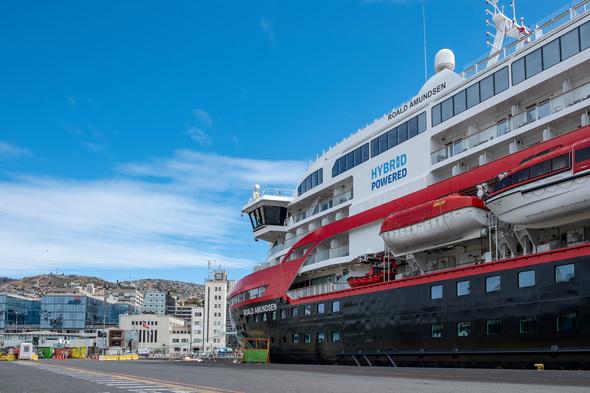 Hurtigruten's hybrid-powered ship MS Roald Amundsen (Photo by Andrea Klauss)