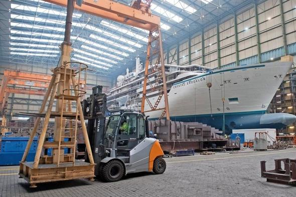 Crystal Endeavor build at MV Werft, Germany