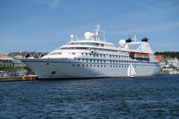 Windstar Cruises - Star Legend in Hamburg