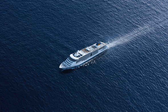 Hapag-Lloyd Cruises - MS Europa 2