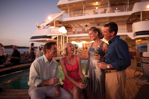 Evening socialising on SeaDream Yacht Club