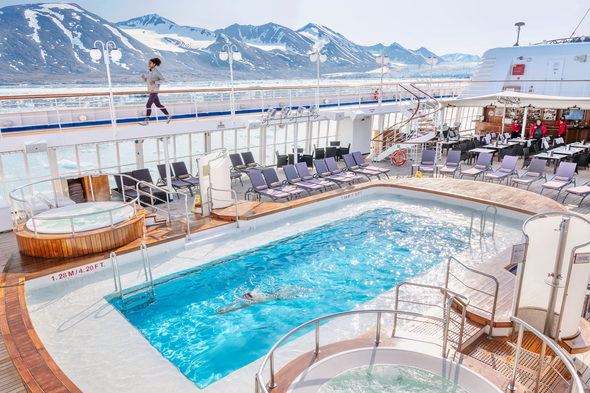 Silver Cloud expedition world cruise in Svalbard