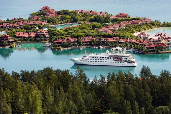 Crystal Esprit yacht cruise in the Seychelles