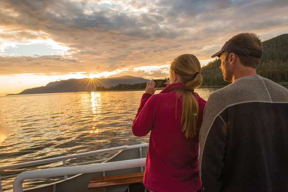 Photographing the horizon with a smartphone on an Alaska cruise with Lindblad Expeditions