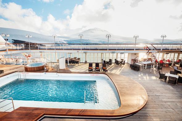 Silver Cloud pool deck in Svalbard