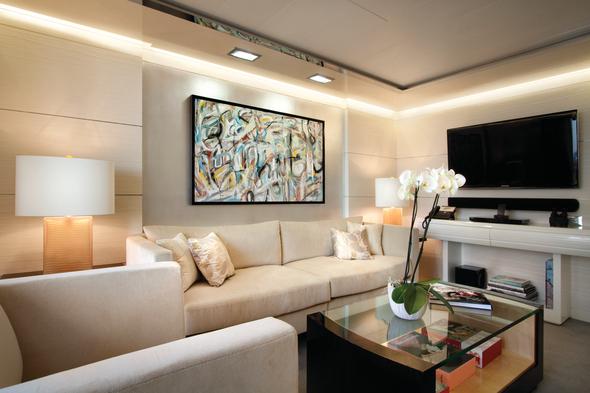 Oceania O Class - Vista Suite living room