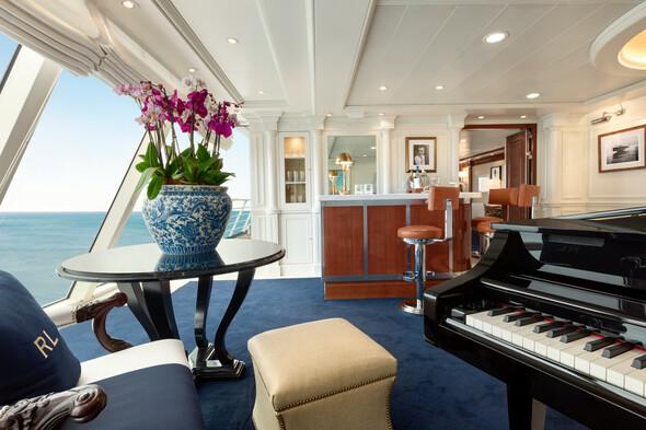 Oceania - Marina & Riviera - Owners Suite