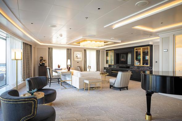 Seven Seas Splendor - Regent Suite