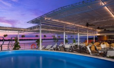 AmaWaterways - AmaDara pool