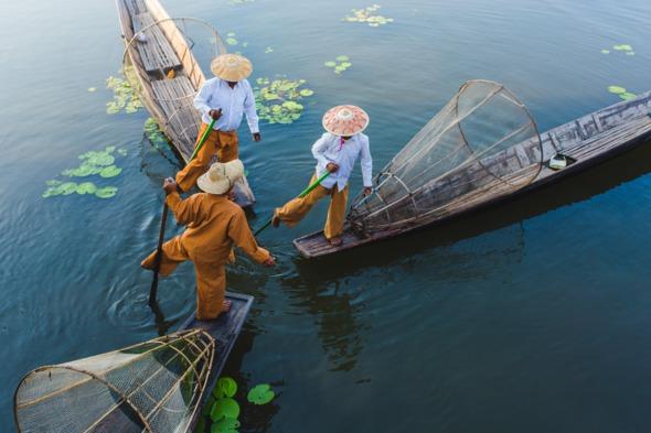 Myanmar expedition cruises - Fishermen on Inle Lake