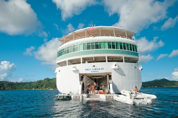 Paul Gauguin Cruises - Watersports marina