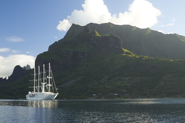 Wind Spirit in Moorea - A small ship cruise with Windstar