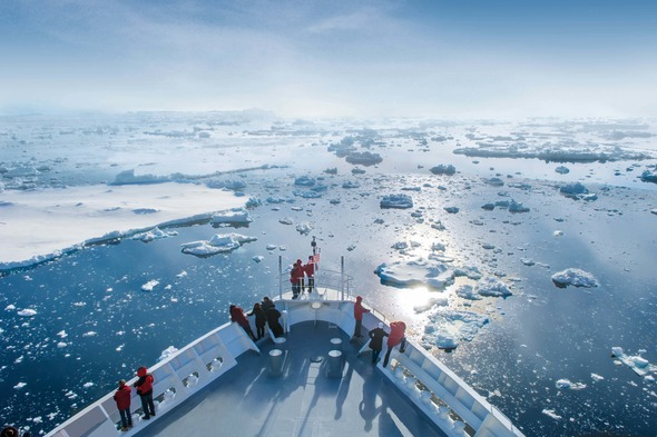 Hapag-Lloyd Cruises - MS Bremen in Antarctica