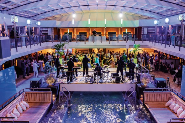 Hapag-Lloyd Cruises - Europa 2 pool party