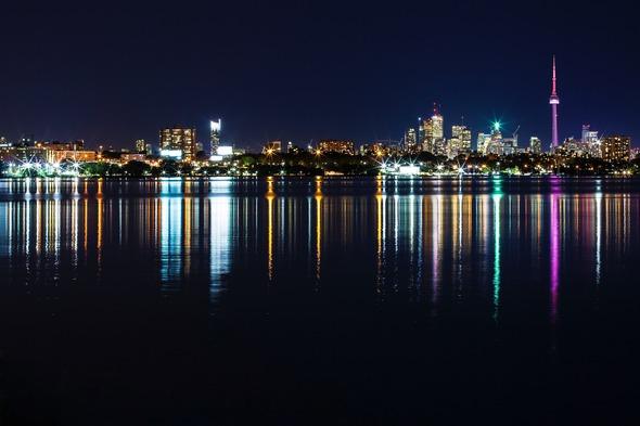 Toronto by night (Photo by Juan Davila)
