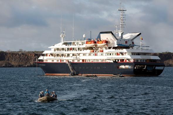 Silver Galapagos - Going ashore by zodiac