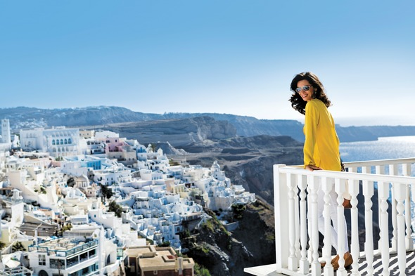 Solo cruise traveller in Santorini