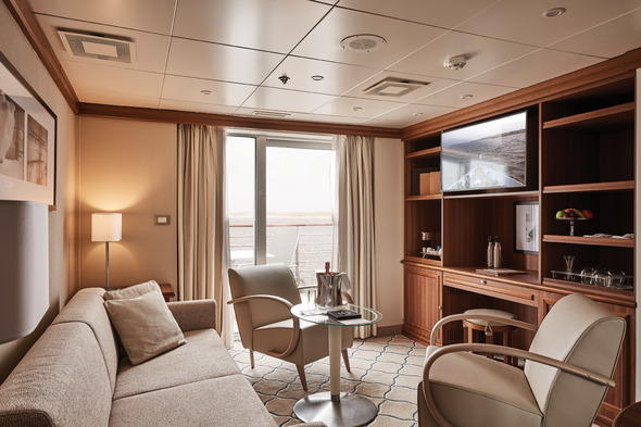 Silver Explorer, Owners Suite.
