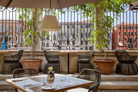 Aman Venice - Dining terrace
