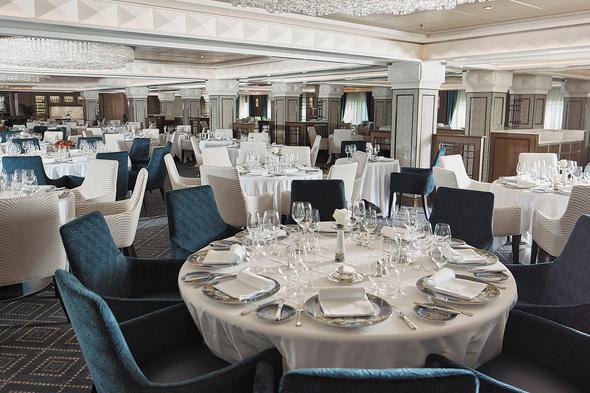 Regent Seven Seas Voyager - Compass Rose restaurant