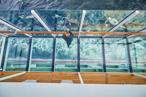 Hapag Lloyd - Hanseatic Nature - Glass balcony