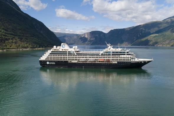 Azamara Pursuit in Iceland