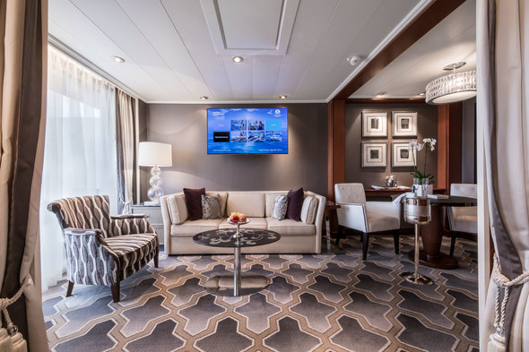 Crystal Serenity - Penthouse Suite living area
